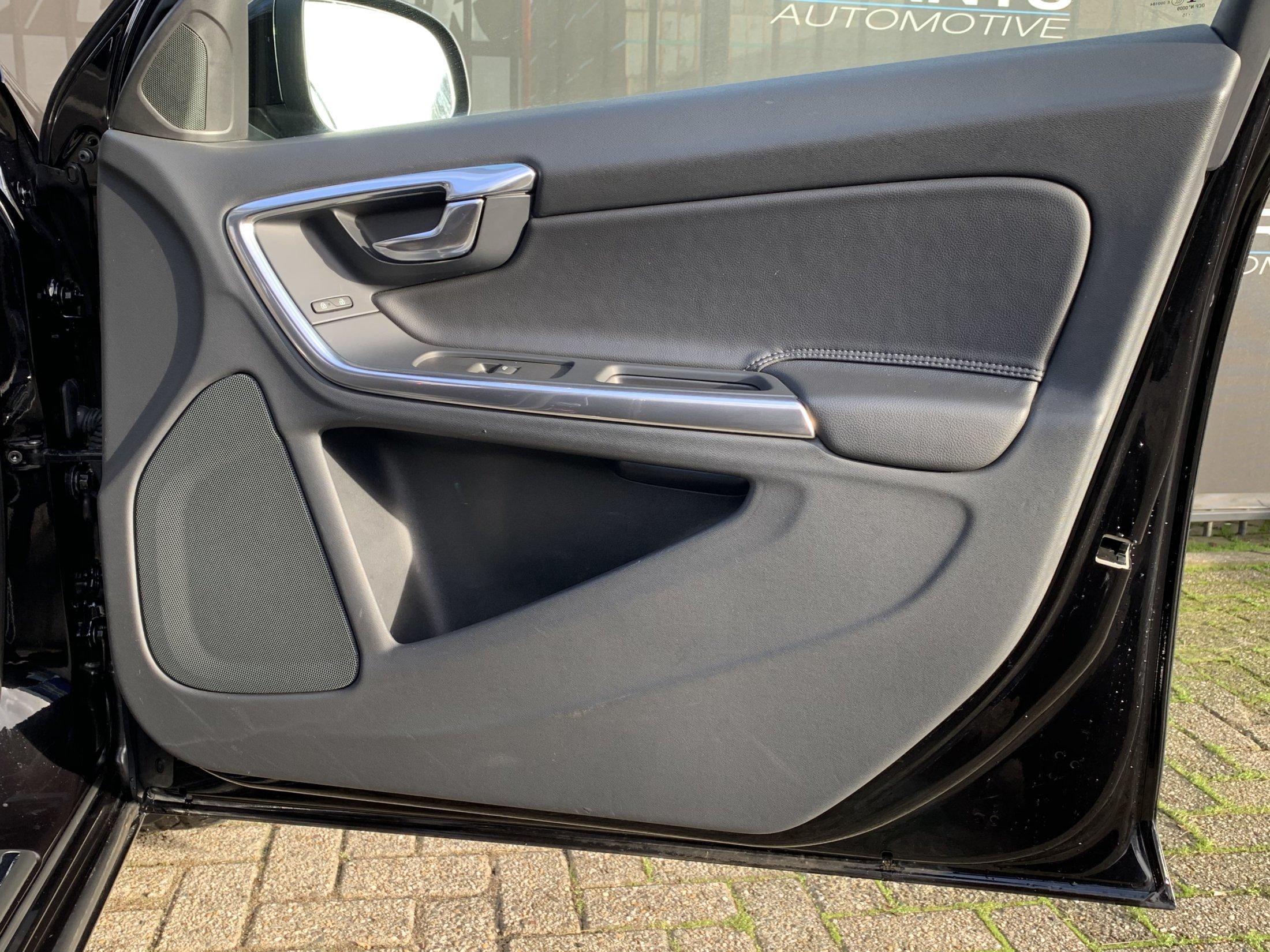 Volvo V60 T3 Kinetic (25)