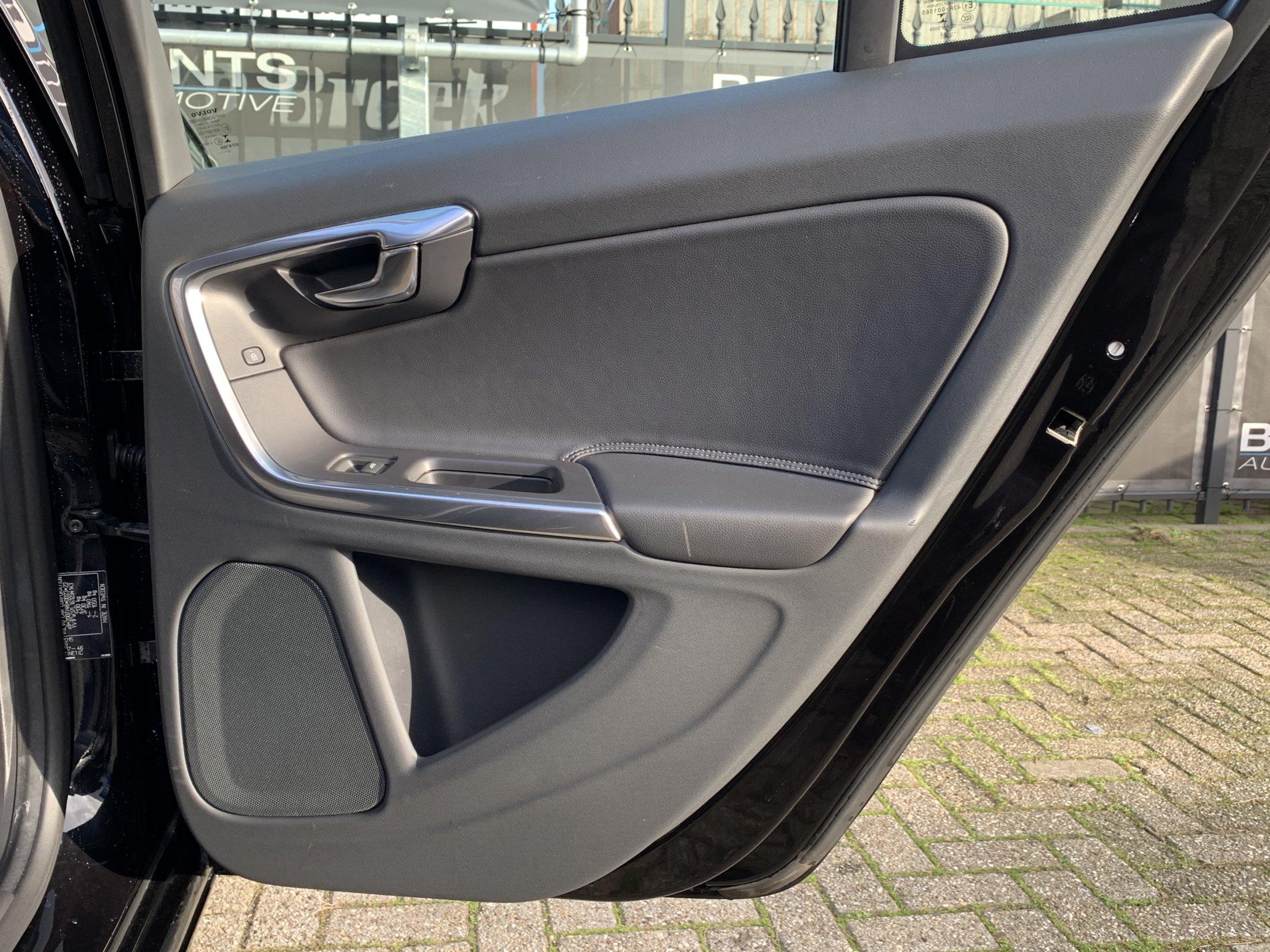 Volvo V60 T3 Kinetic (26)