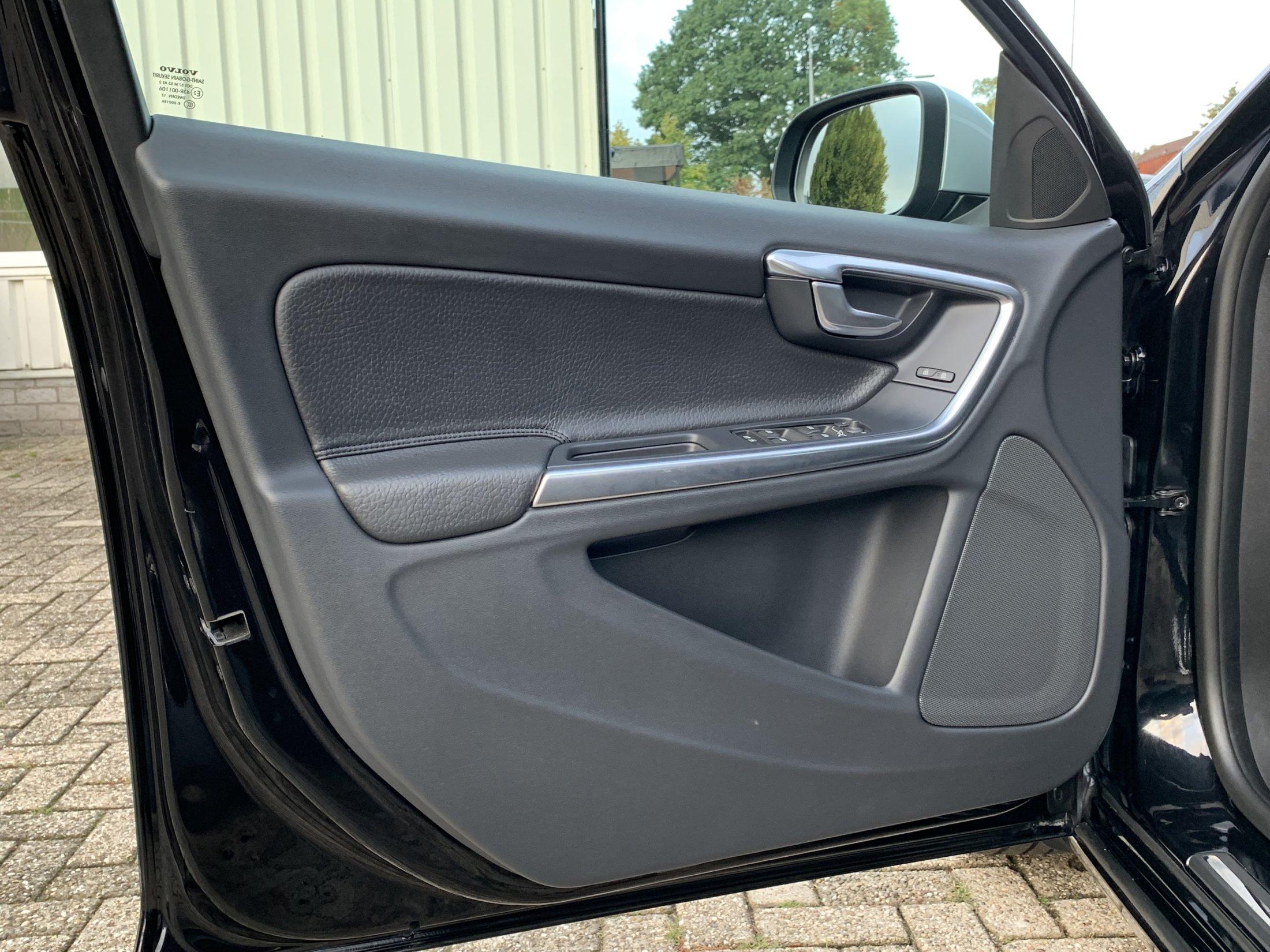 Volvo V60 T3 Momentum (29)