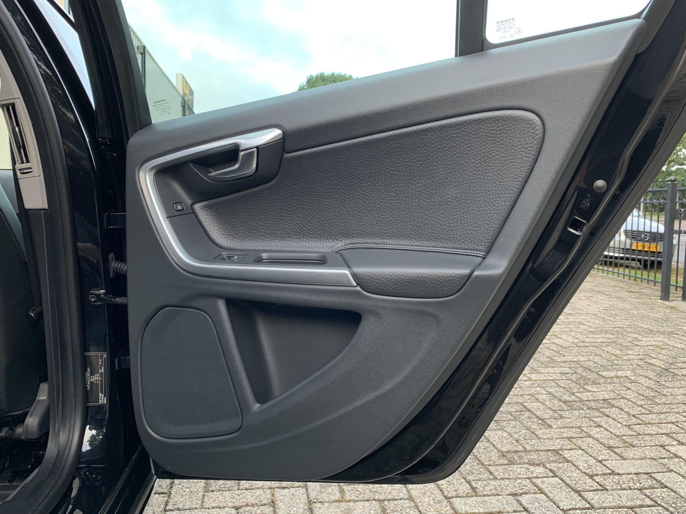 Volvo V60 T3 Momentum (40)