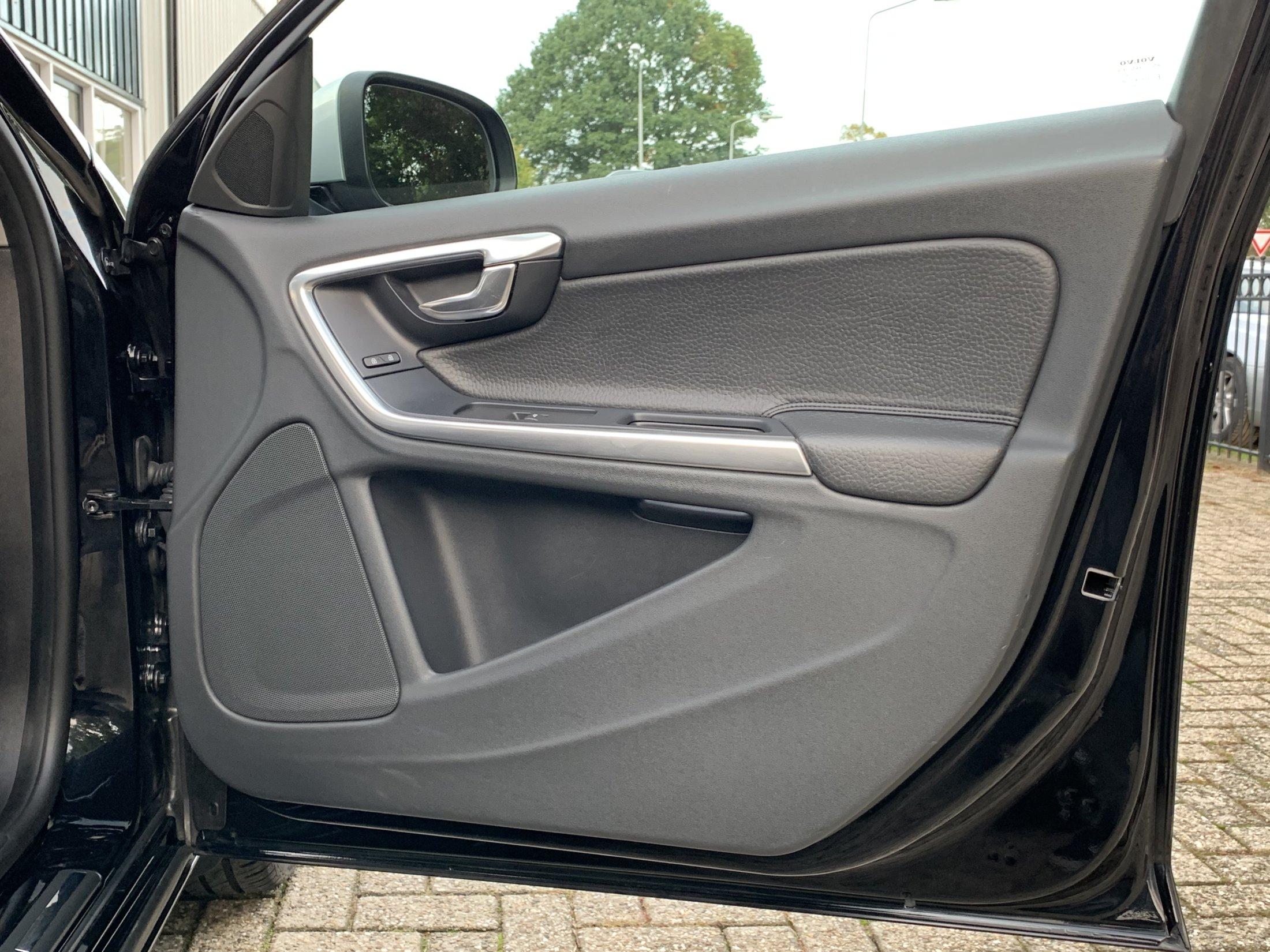 Volvo V60 T3 Momentum (42)