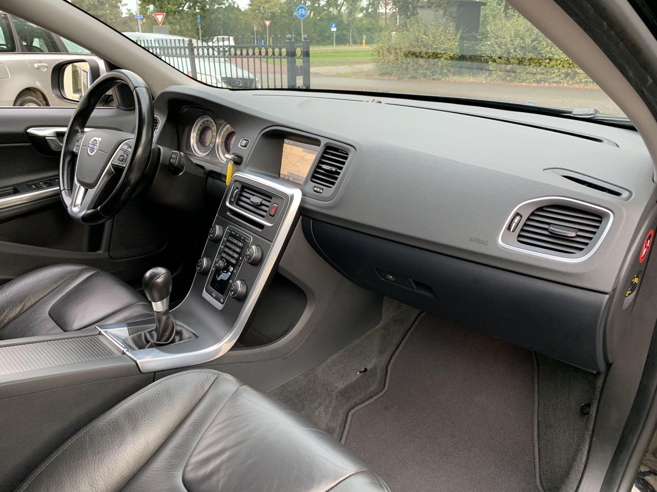 Volvo V60 T3 Momentum (69)
