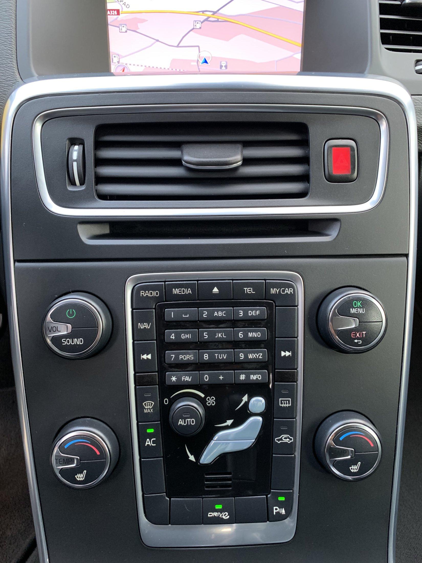 Volvo V60 T3 Momentum (97)