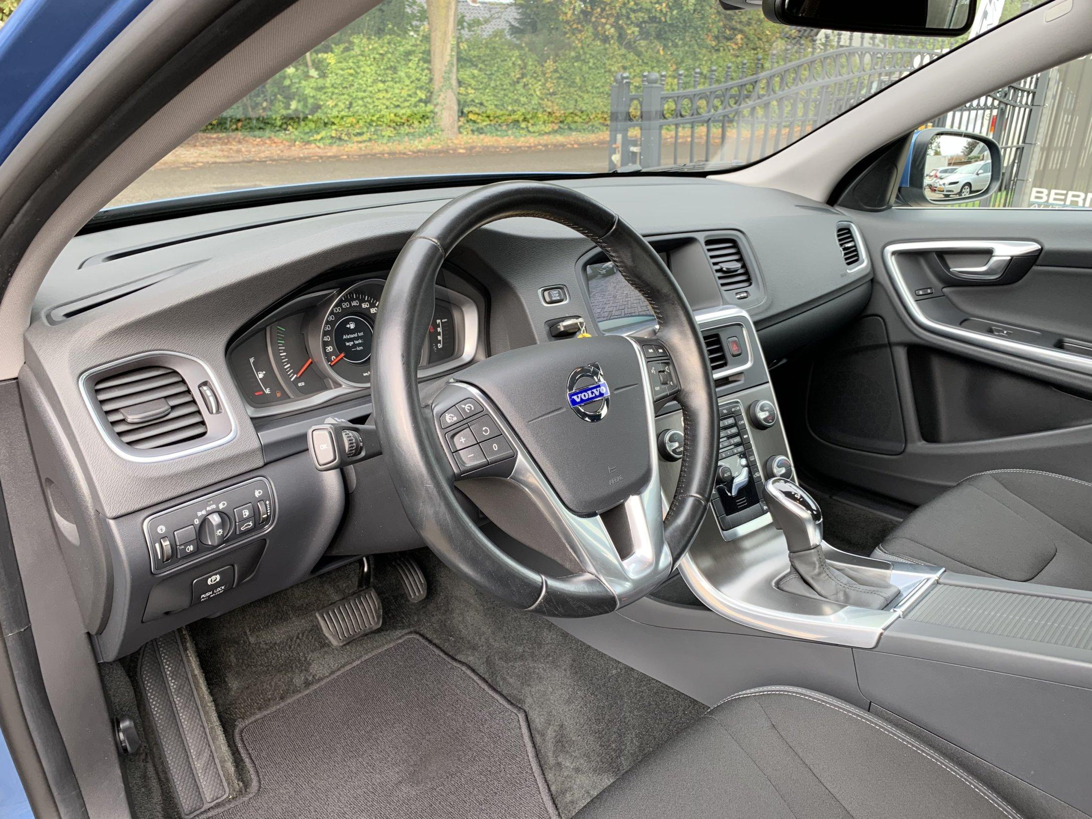 Volvo V60 T3 Momentum Automaat (28)