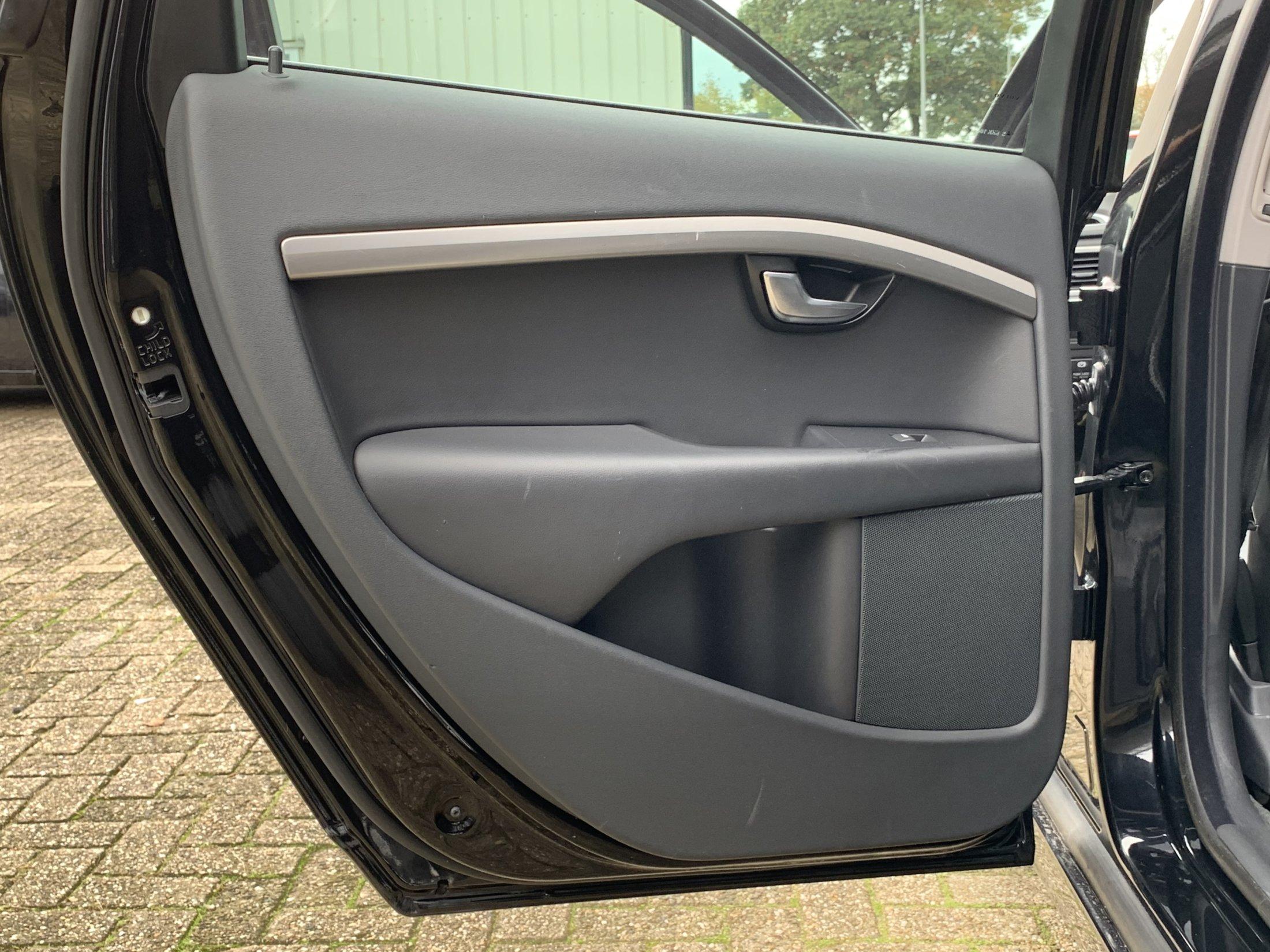 Volvo V70 D2 Momentum Automaat (20)