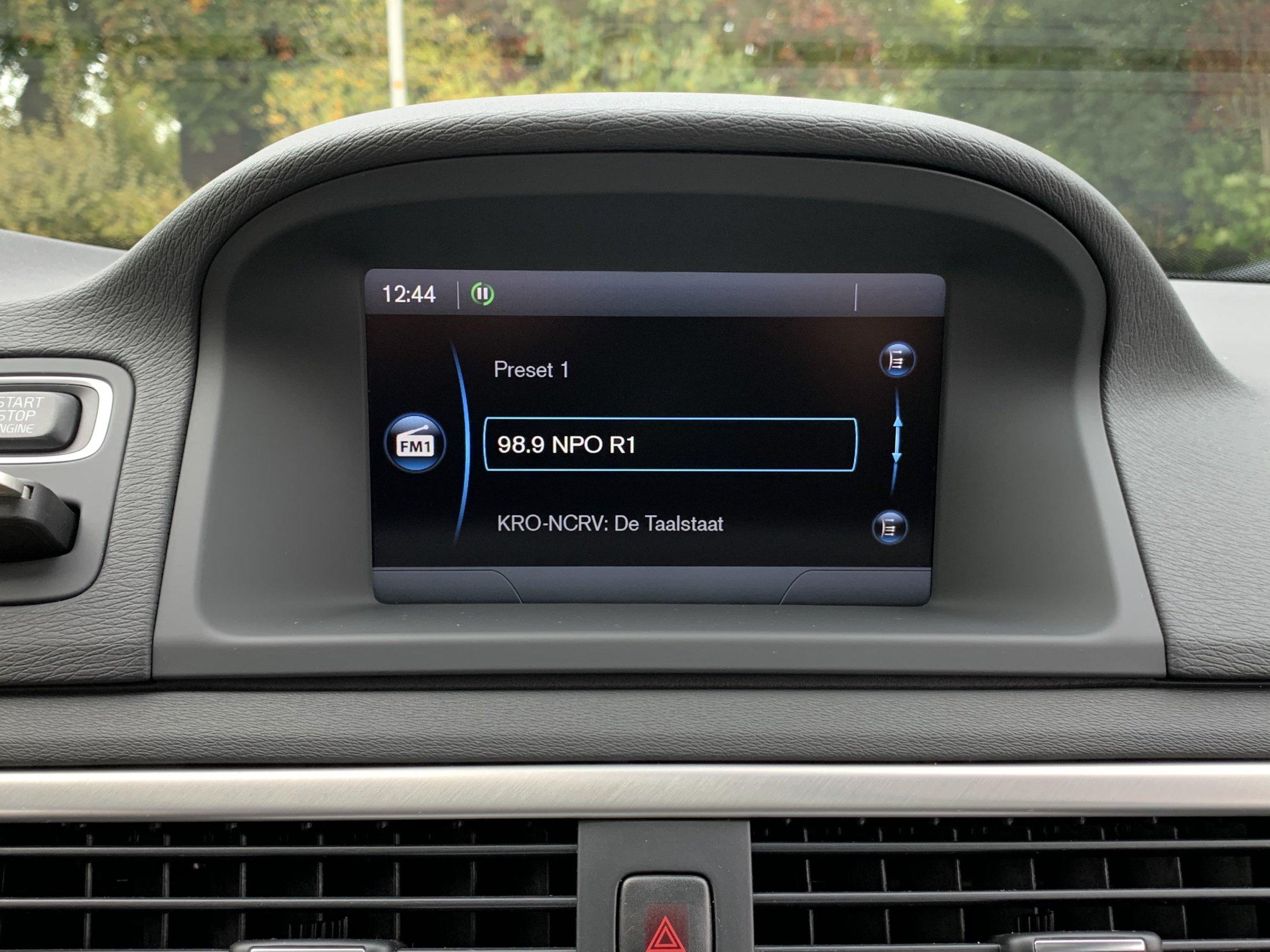 Volvo V70 D2 Momentum Automaat (52)