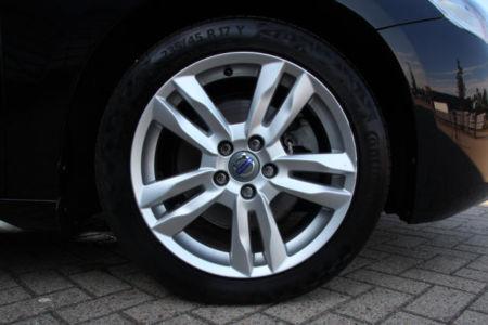 Volvo V60 Momentum 21-XJJ-5 (11)